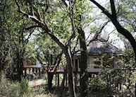 Tree-house, Sussi & Chuma, Livingstone & The Victoria Falls