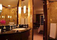 Deluxe City View Room, The Mandarin Oriental