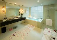 Bathroom, Pullman Kuching