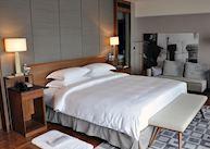 Deluxe Room, Les Suites Orient
