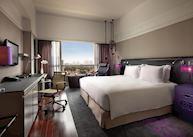 Luxury room, day
