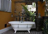 Bathroom at Toca da Coruja, Pipa