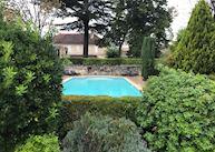 Pool and courtyard, Hôtel Au Logis des Remparts