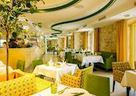 Hotel Lemongarden, Sutivan