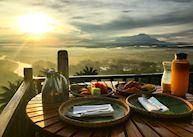 Sunrise breakfast at Shangri-La Rasa Risa