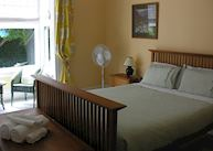 Queen room, Orari Bed and Breakfast, Christchurch