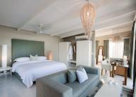 White Pearl Resort bedroom, Ponta Mamoli