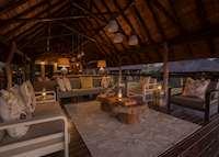Arathusa Safari Lodge, lounge area