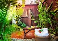 Garden Shower, Ti Kaye Resort & Spa, Saint Lucia