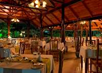 Les Boucaniers restaurant, Acajou Beach Resort, Praslin