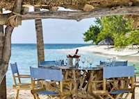 Beach dining, Petit St. Vincent, Petit St Vincent