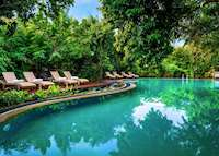 Jungle Beach pool