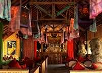 Lara Djonggrang Bar, Tugu Lombok, Sire Beach