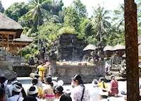 Ceremony at Tirtha Empul, Ubud