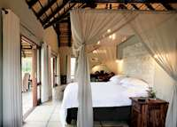 Arathusa Safari Lodge, bush-facing luxury room