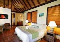 Beach Front Room, Palm Island Resort & Spa, Palm Island