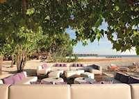 Manta Bar, Constance Moofushi, Maldive Island