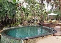 Spa Safari Pool