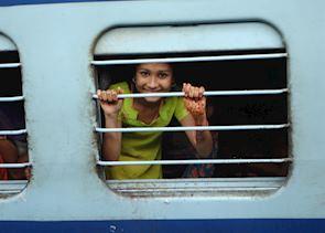 Girl on the train, Mumbai (Bombay), India
