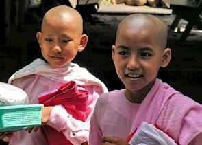 Novice nuns, Sagaing