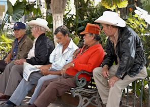 Local men chatting, Guadalajara