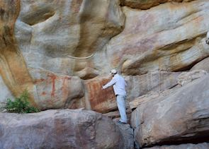 A guided tour of the bushman paintings at Bushamans Kloof