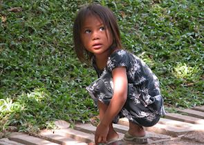 Child at Wat Phnom