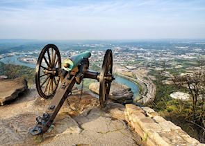 Civil war-era cannon overlooking Chattanooga