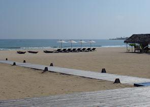 The beach at Passikudah Bay