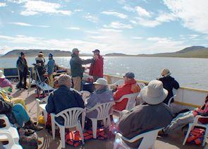 Wildlife spotting on Melanie Boat from Bathurst Inlet Lodge