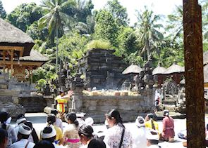 Ceremony at Tirtha Empul, Ubud