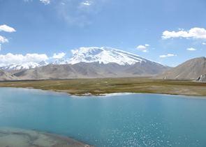 Lake Karakul & Mt. Mutzagata