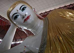 Reclining Buddha at Chaukhtatgyi Paya, Yangon
