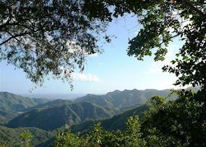 View from 'la Farola' on the way to Baracoa