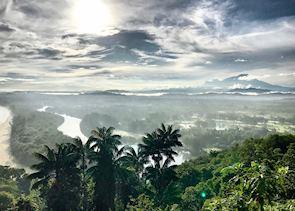 View from sunrise breakfast walk at Shangri-La Rasa Risa