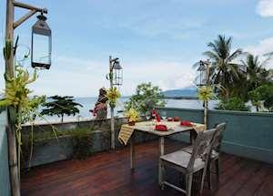 Villa Puri Dadap Merah rooftop dining, Tugu Lombok, Sire Beach