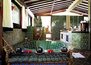Shanghyang Nirvana bathroom, Tugu Lombok, Sire Beach