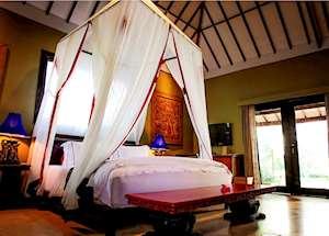 Aloon Aloon Rama Sinta, Tugu Lombok, Sire Beach