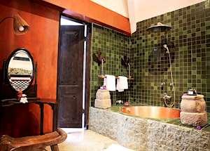Villa Puri Dadap Merah bathroom, Tugu Lombok, Sire Beach