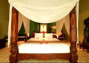 Bhagavat Gita suite, Tugu Lombok