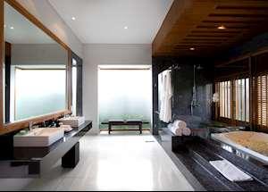 Royal Courtyard Villa Bathroom, Samaya Seminyak, Seminyak