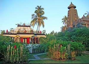 Puri Dadap Merah suite, Tugu Lombok, Sire Beach