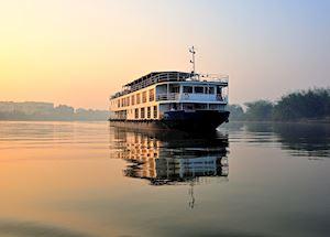 Rajmahal boat