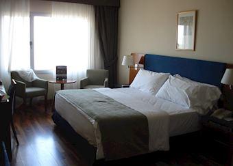 Superior room, NH Columbia, Montevideo