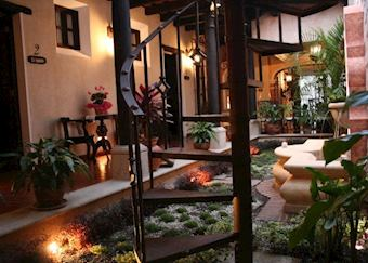 Hotel D'Leyenda, Antigua