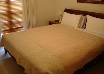 Victoria-Hearns Cottage Suites, Port Fairy