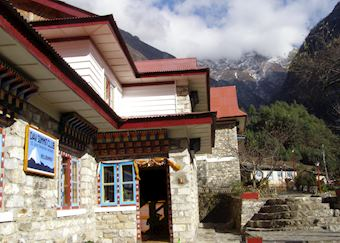 Everest Summit Lodge, Monjo