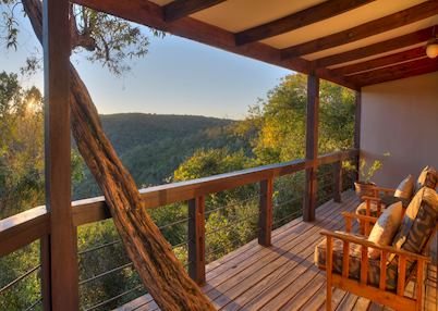 Hog Hollow Country Lodge, standard suite deck