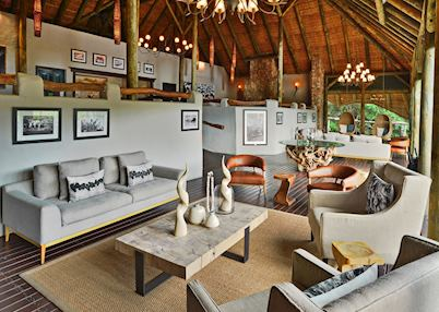 Bayethe Tented Lodge, lounge area