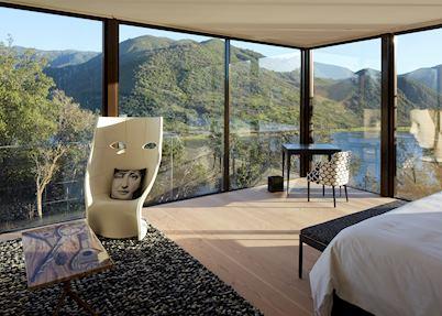 Fornasetti Suite, Vik Chile
